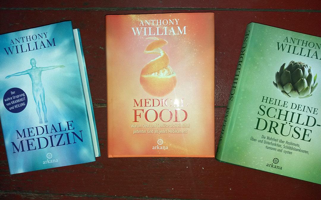 Foto mit drei Büchern von Anthony Williams