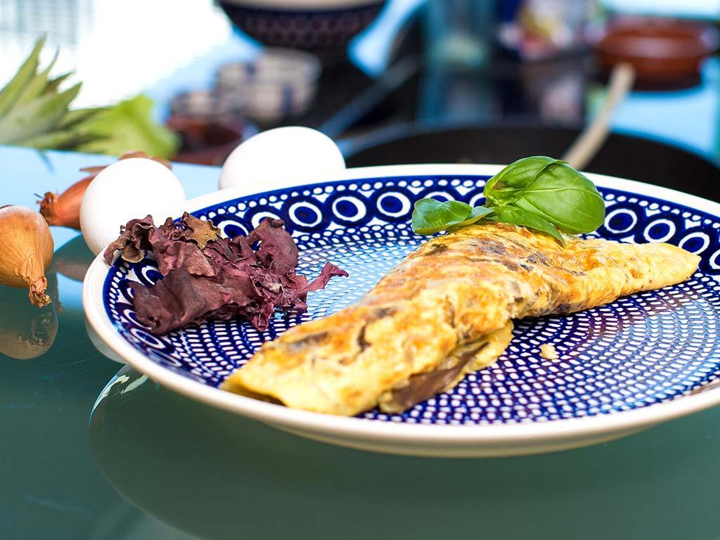 Foto eines veganen Omeletts mit Dulse Algen