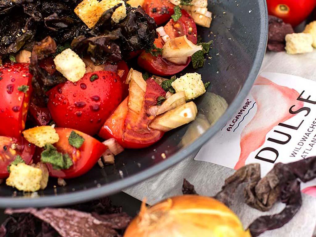 Foto van Zeewier-tomatensalade met dulse