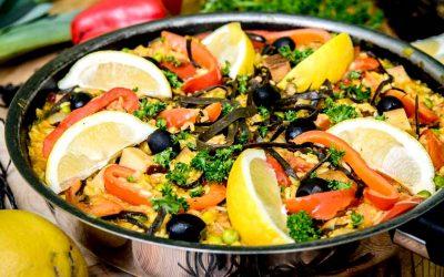 Vegane Paella mit Meeresspaghetti