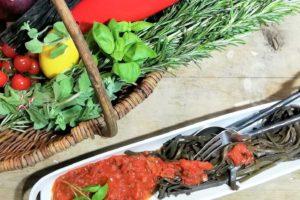 Leckere Low-Carb-Nudeln: Meerspaghetti mit Tomatensoße